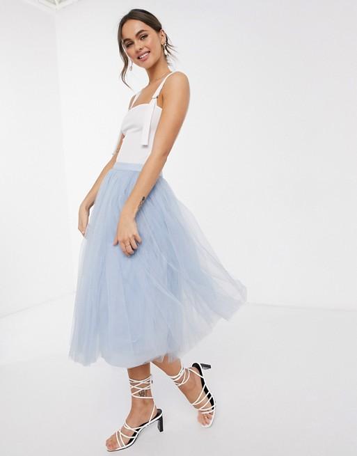 lichtblauwe tule rok outfits voor bruiloftsgasten