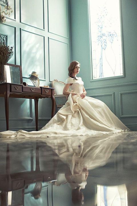Ongekend Deze bruiden houden van over de top: 10 duurste jurken ooit OL-36