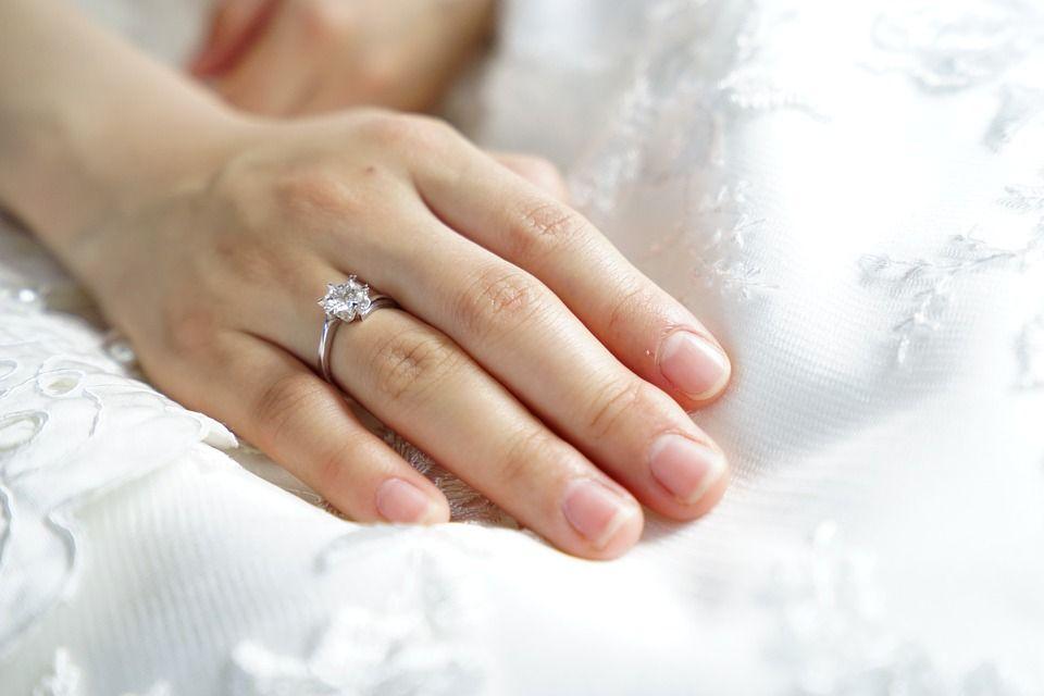 Verloving aankondigen op social media: 3 toffe manieren