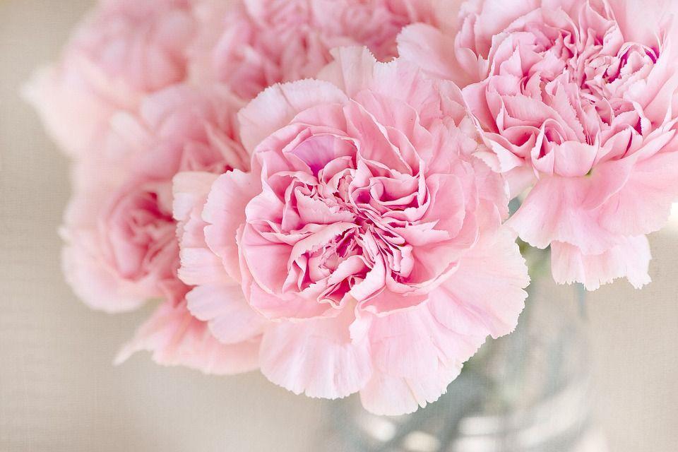 DIY bloemenslinger voor je bruiloft