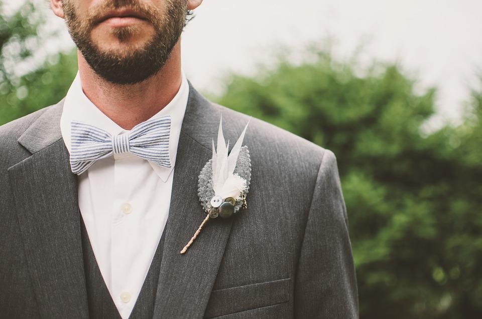 etiquette van het trouwpak